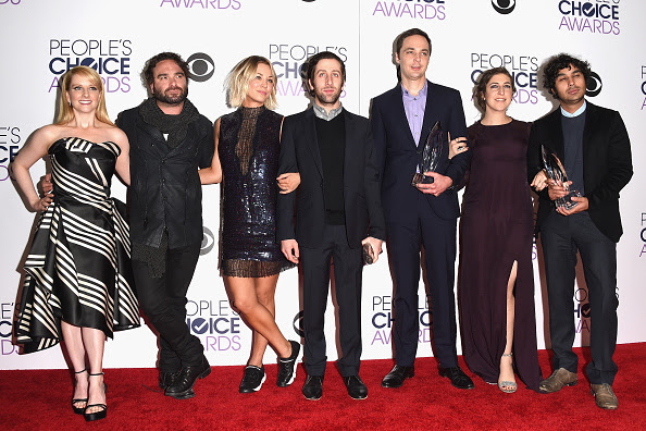 LOS ANGELES, CA - JANUARY 06:  (L-R) Actors Melissa Rauch, Johnny Galecki, Kaley Cuoco, Simon Helberg, Jim Parsons, Mayim Bialik and Kunal Nayyar, winners of Favorite Network TV Comedy and Favorite TV Show for