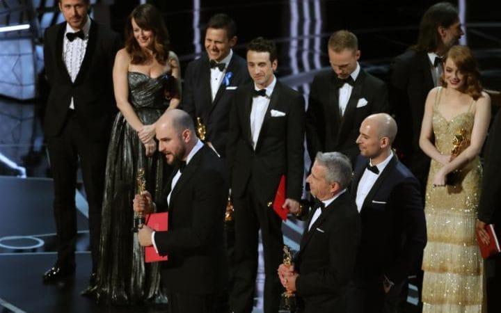 JS121913715_REUTERS_89th-Academy-Awards-Oscars-Awards-Show-large_trans_NvBQzQNjv4BqbNWtAZp4M83CNbYcU41Ja-EvAKWngyVwkqmAwtE89C4