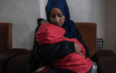 'ISIS Bride' Sues U.S. to Enter Country