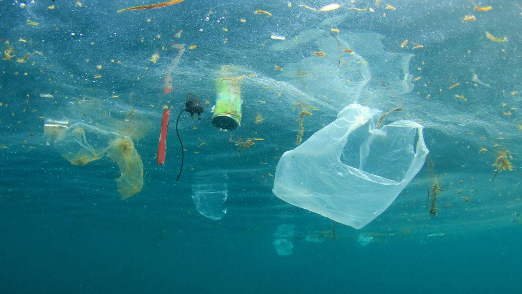 garbage-plastic-pollution-ocean-cleanup-556842991-1068x601